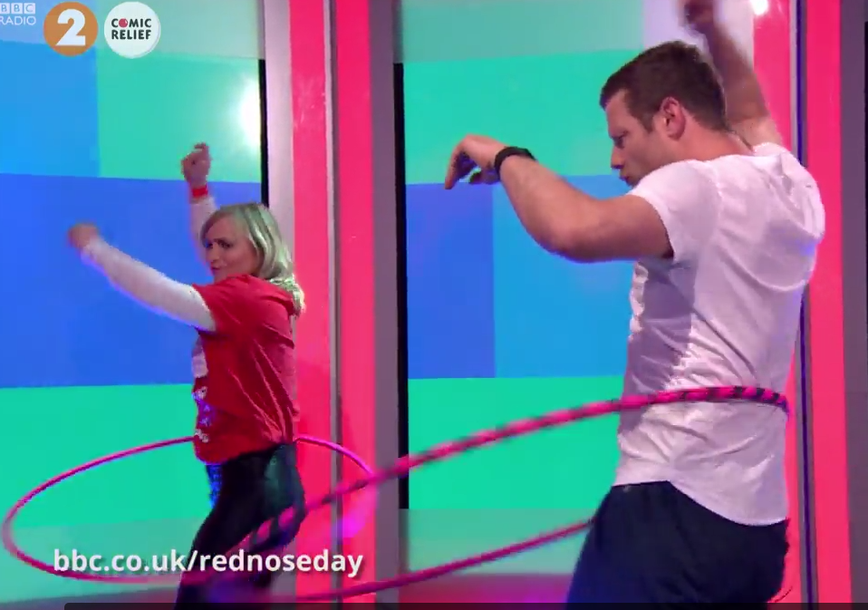 Dermot O'Leary hula hooping for Comic Relief